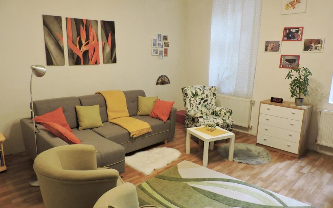 Budapesten a Hungária körúton, 83 nm-es csendes, földszintes lakás eladó!
