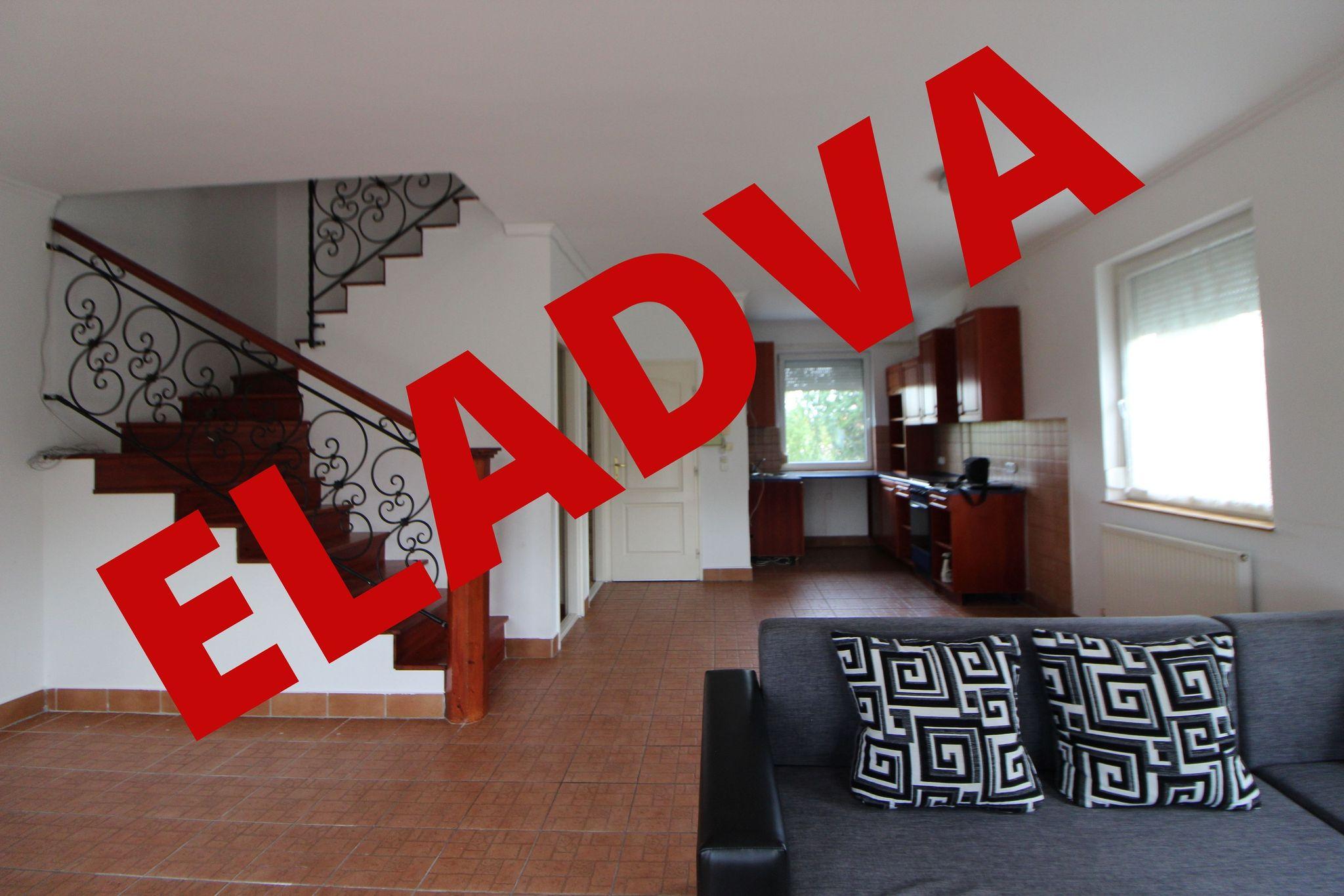 Csepel sziget déli részén elhelyezkedő Duna parti kisvárosunkban, Ráckevén ajánlok figyelmébe egy igazán élhető otthont!
