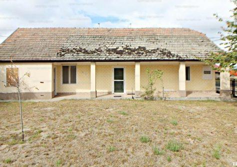 Ráckevén, Pest megyében egy 60nm-es ház eladó!